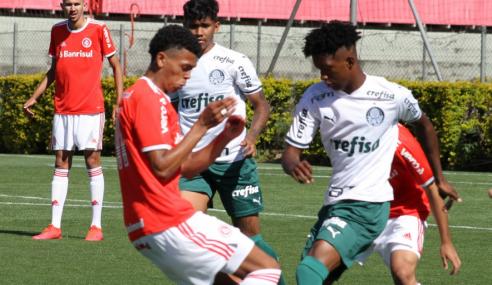 Gabriel Silva decide e Palmeiras assume a liderança do Brasileirão sub-20