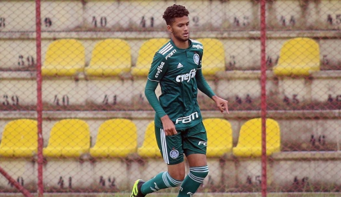 Chapecoense contrata zagueiro com passagem pelo futebol italiano