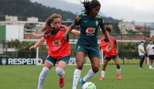 Atuando nas seleções sub-17 e sub-20, Marília comenta integração entre as categorias