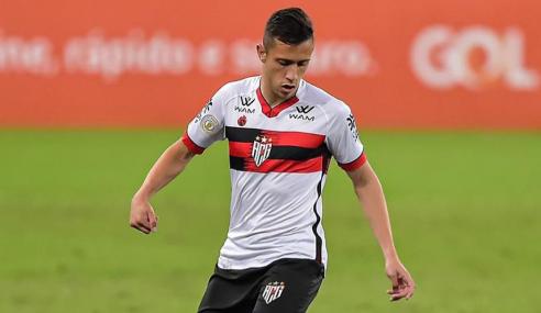 Matheus Frizzo deixa o Atlético-GO e fecha com o Vitória