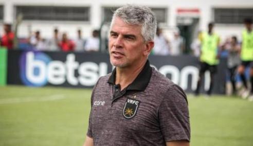 Técnico do sub-17, Neto Colucci deixa Botafogo e acerta com o Volta Redonda