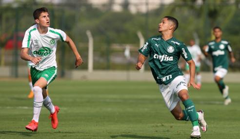 Chapecoense surpreende Palmeiras fora de casa, goleia e vence a primeira no Brasileirão sub-20