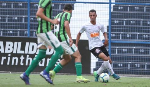 Atacante do Corinthians projeta volta do Brasileirão sub-17