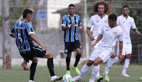 Fora de casa, Grêmio vira no fim e vence Santos pelo Brasileirão sub-20
