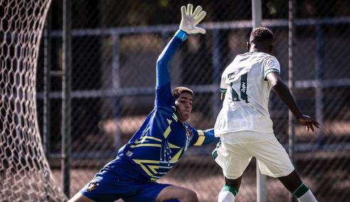 """Sem ser vazado, goleiro destaca """"perde-pressiona"""" do Sport Recife no Brasileirão sub-20"""