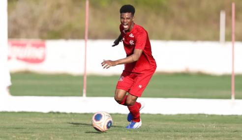 Fluminense acerta a contratação de volante do Náutico por empréstimo
