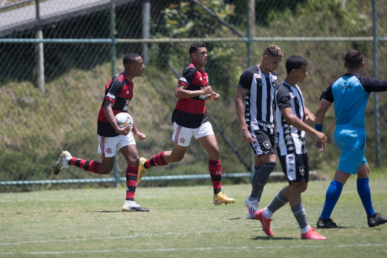 Botafogo e Flamengo empatam clássico pela Taça Rio sub-20
