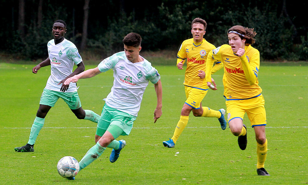 Após três rodadas, apenas dois clubes somam três triunfos no Alemão sub-17