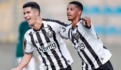 Em jogo agitado, Atlético-MG vence Goiás e segue na cola do líder no Brasileirão Sub-20