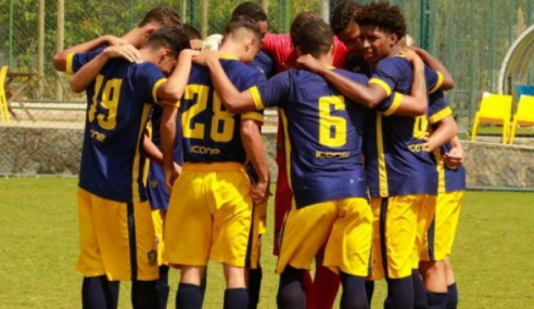 Copa Carpina Sub-17: Retrô rouba a cena e avança às semifinais com dois times