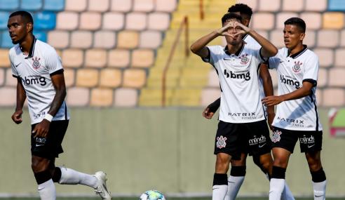 Corinthians goleia Sport e se isola na liderança do Brasileirão Sub-20