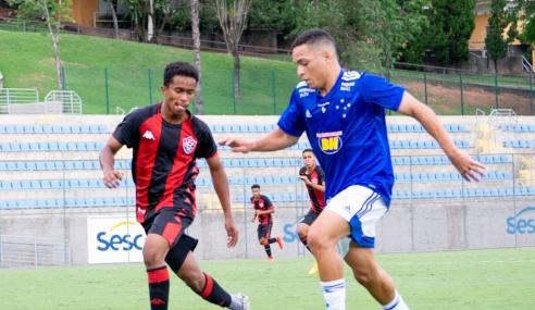 Cruzeiro marca no fim e arranca empate com o Vitória pelo Brasileirão sub-17