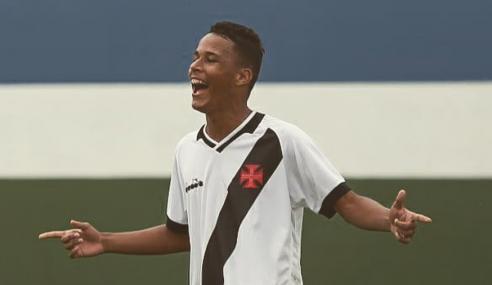 Vasco bate Grêmio e assume a liderança do seu grupo no Brasileirão sub-17