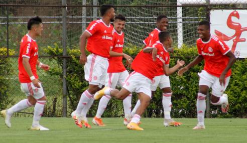 Em jogo com três expulsões, Internacional vence Cruzeiro pelo Brasileirão Sub-20