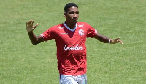 """Artilheiro do Carioca sub-20 destaca gols contra grandes: """"Peso maior"""""""