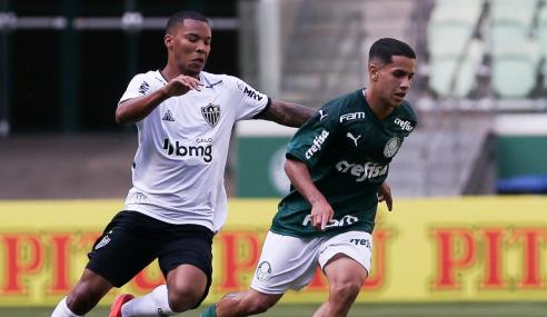 Atlético-MG goleia Palmeiras e assume vice-liderança do Brasileirão sub-20