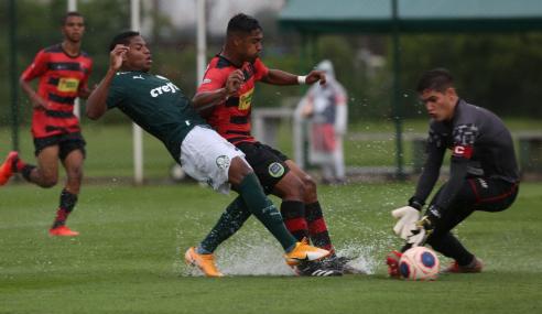 Goleiro pega pênalti e garante classificação do Palmeiras no Paulistão Sub-20