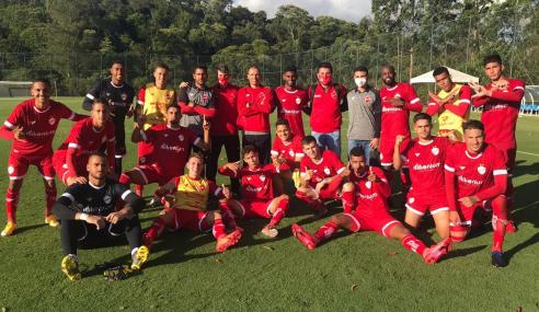 Vila Nova vira nos acréscimos e conquista primeira vitória no Brasileirão de Aspirantes