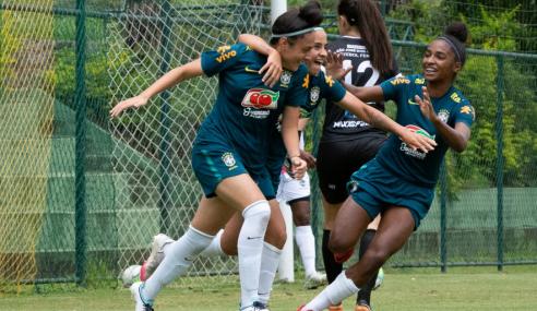 Seleção feminina sub-17 encerra período de treinos com empate em jogo-treino