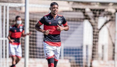 Atlético e Vila Nova vencem e mantêm briga pela ponta do Torneio FGF Sub-17