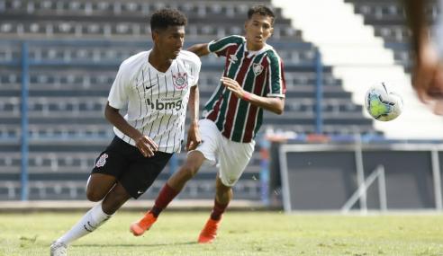 Fluminense bate Corinthians fora de casa e lidera Grupo D do Brasileirão de Aspirantes