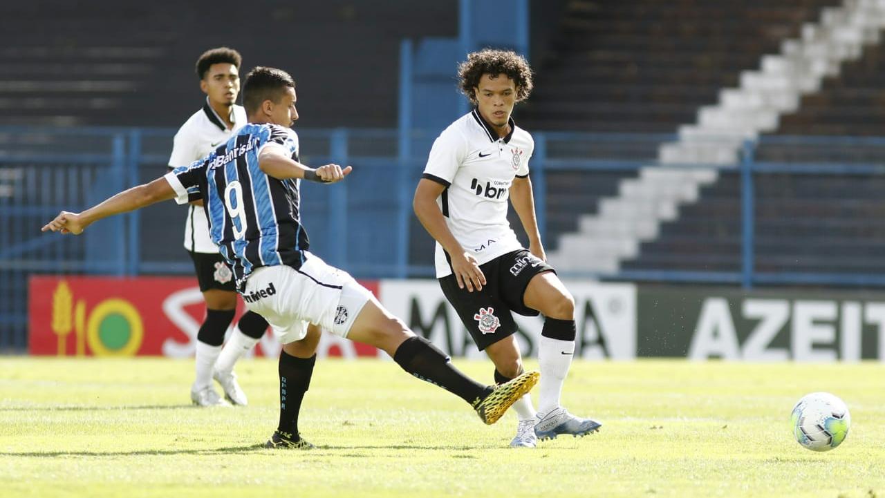 Com um a menos, Corinthians segura empate com o Grêmio pelas quartas do Brasileirão Sub-20