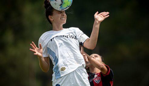 Grêmio aproveita expulsão e bate Vitória pelo Brasileirão Feminino Sub-16