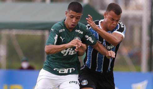 Grêmio marca no último lance, vence Palmeiras e entra no G-8 do Brasileirão Sub-20