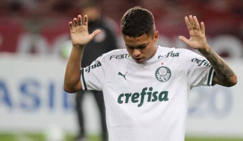 Em jogo com quatro expulsões, Palmeiras elimina Portuguesa Santista no Paulistão Sub-20