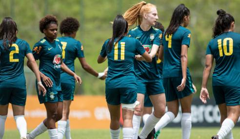 Seleção Feminina Sub-20 vence equipe masculina em último teste do ano