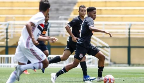 Corinthians renova com volante do sub-20
