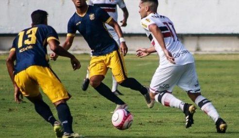 Santa Cruz e Retrô empatam em jogo de ida da semifinal do Pernambucano Sub-20