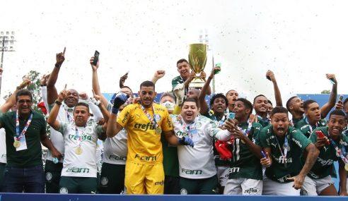 É tetra! Goleiro reserva brilha nos pênaltis, Palmeiras bate Corinthians e conquista Paulistão Sub-20