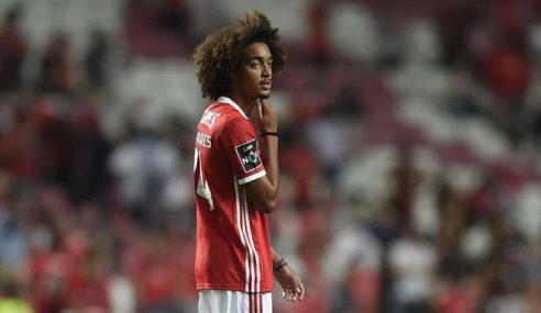 Farense-POR jovem lateral emprestado pelo Benfica-POR