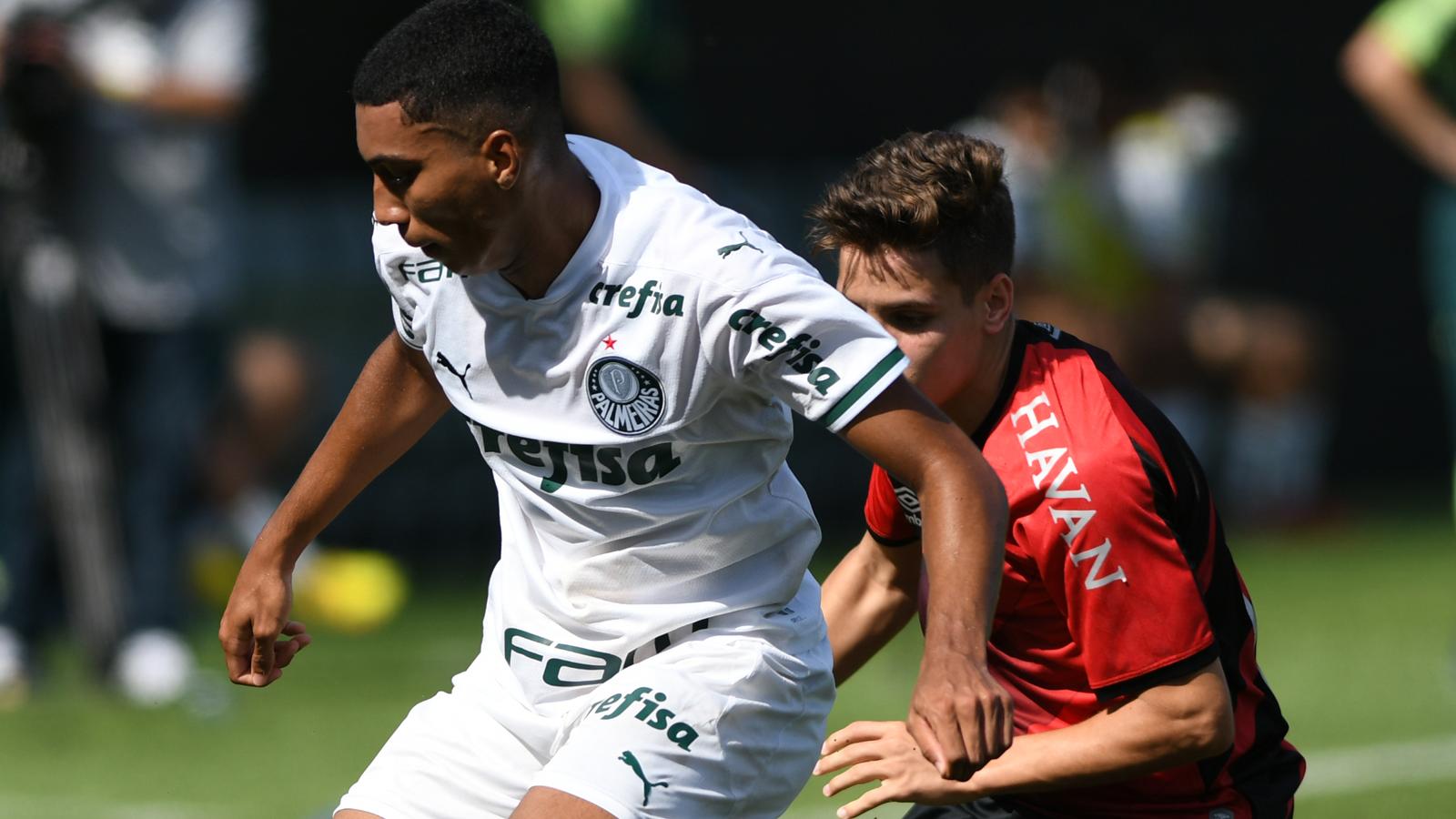 Copa do Brasil Sub-17: Athletico-PR vira após levar 3 a 1, mas Palmeiras avança em longa disputa de pênaltis