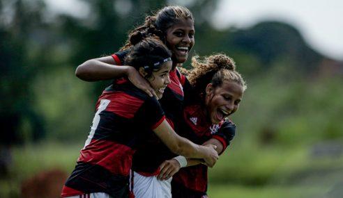 Flamengo goleia Botafogo e lidera Grupo E do Brasileirão Feminino Sub-18
