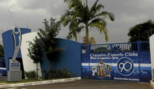 Cruzeiro fecha parceria com Governo de Moçambique para intercâmbio na base