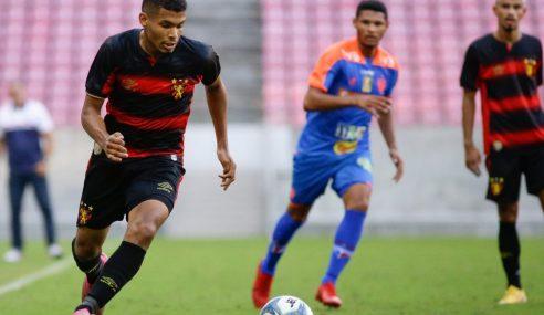 Sport firma primeiro contrato profissional com jovem do sub-20