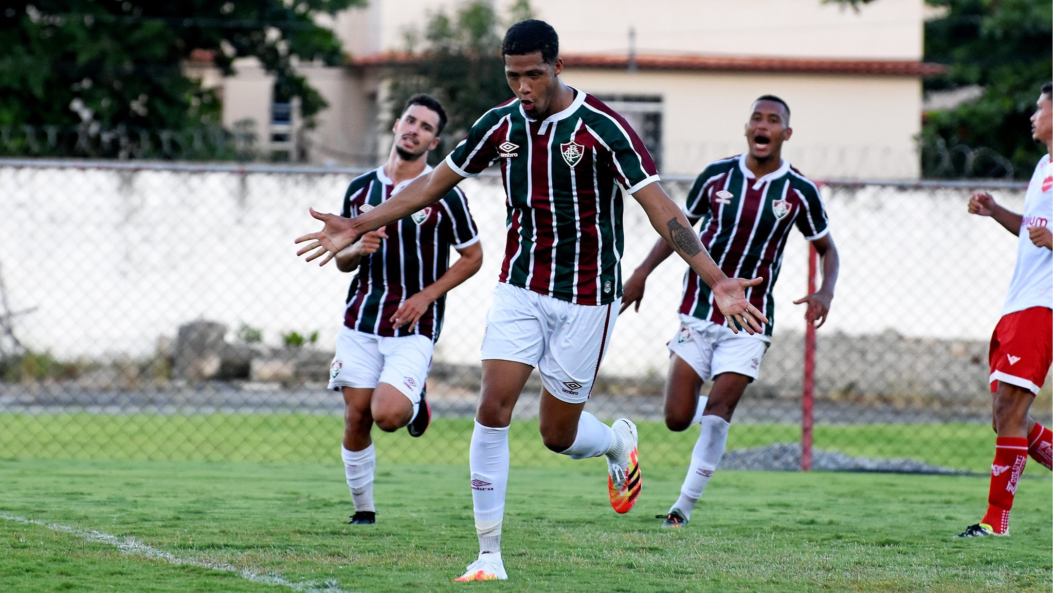 De virada, Fluminense bate Vila Nova na ida das semifinais do Brasileirão de Aspirantes