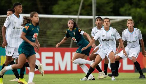 Equipe sub-16 do Grêmio goleia Seleção Brasileira Feminina