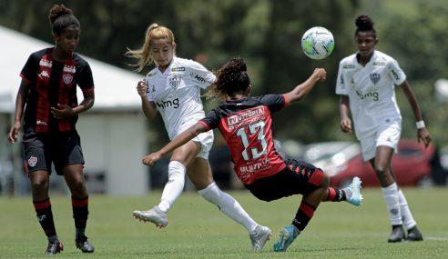 Com dois de Emelli, Vitória vira sobre o Atlético-MG pelo Brasileirão Feminino Sub-18
