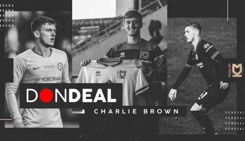 Goleador, Charlie Brown é negociado pelo Chelsea-ING