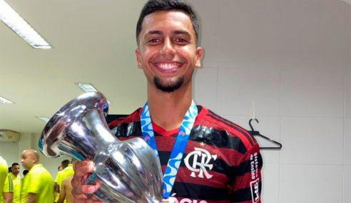 Lateral-esquerdo troca Flamengo por clube europeu