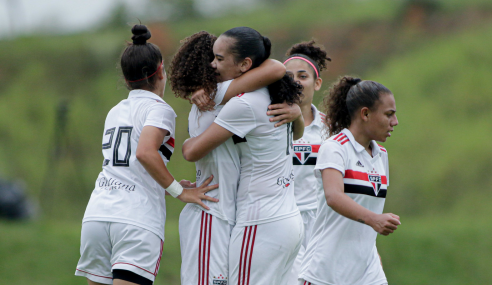 São Paulo derrota Corinthians e garante vaga na segunda fase do Brasileirão Feminino Sub-18