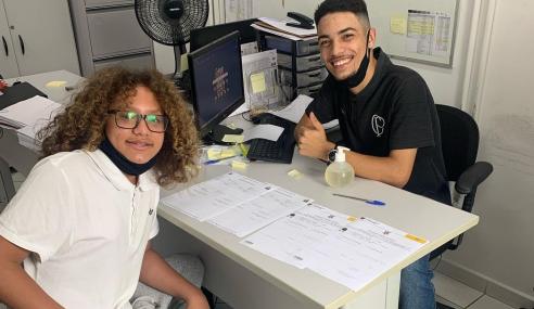 Filho de Cristian assina contrato com o Corinthians