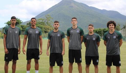 Figueirense contrata meia do Palmeiras e promove atletas da base