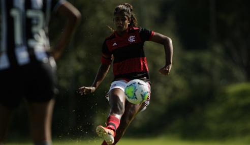 Com início arrasador, Flamengo atropela Botafogo pelo Brasileirão Feminino Sub-18