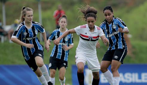 São Paulo dá o troco, vence Grêmio e segue na liderança do Grupo B do Brasileirão Feminino Sub-18