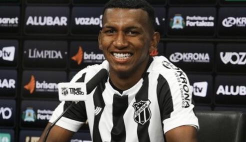 Grêmio recusa proposta francesa por Léo Chú e aproveitará o atacante em 2021