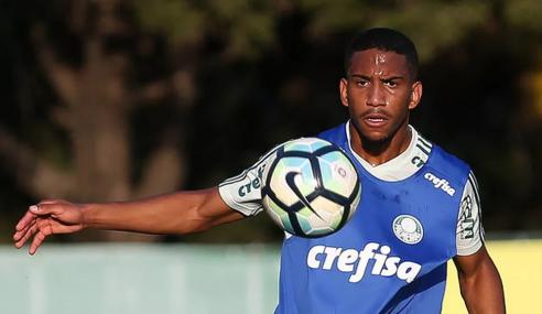 Cruzeiro anuncia volante Matheus Neris e fica próximo de atacante do Internacional